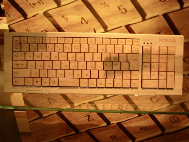 6.WoodenKeyboard
