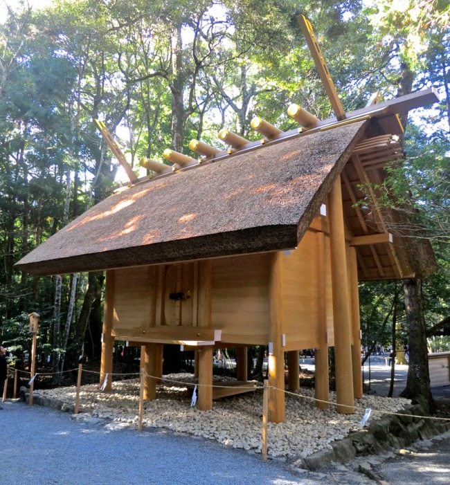 Because the Ise Shrine is kind of like the Vatican of Shintoism, you're not allowed to take pictures of the shrine itself. But it kind of looks like this storehouse, which is apparently un-sacred enough that taking pictures isn't an invitation for the gods to give you the evil eye.