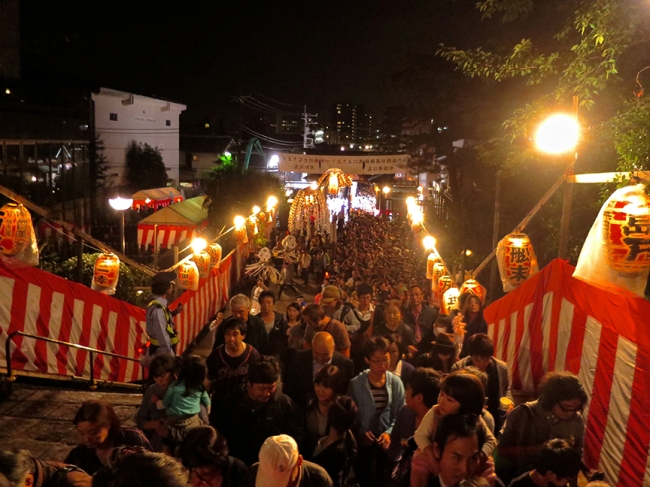 Not surprisingly, a festival of 10,000 lanterns also attracts thousands and thousands of people. This is the view from the stairs you climb to get to the temple.