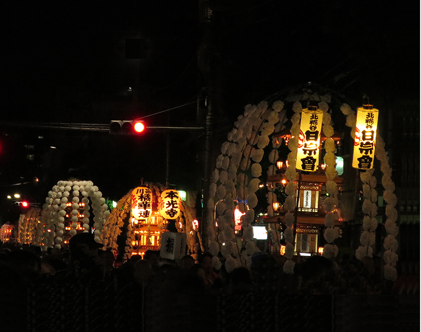 The hits just kept on coming, as the lanterns were paraded through the streets of Ikegami, wending their way to the temple where famed Buddhist monk Nichiren breathed his last.