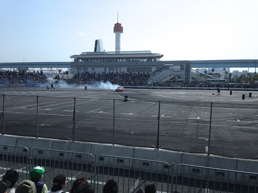 The track is right next to Funenokagakukan Station, in Odaiba, where you can catch a glimpse of the racing between trains