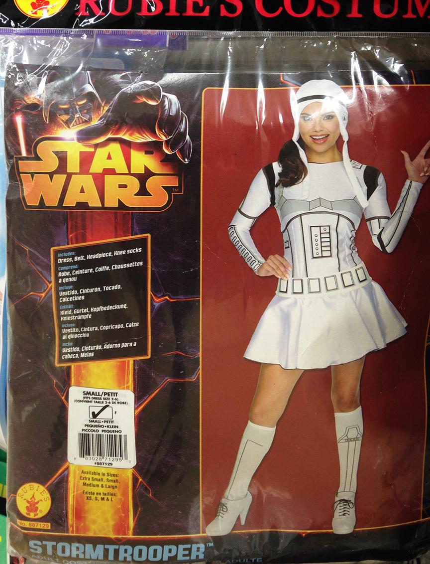 Sexy Stormtrooper ai yi yi SO WRONG