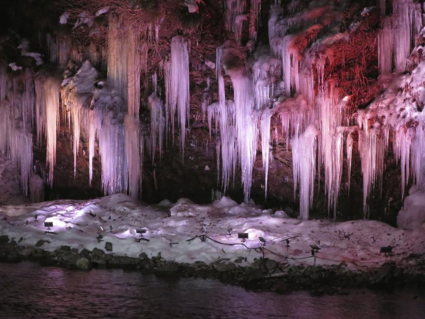 frozenwaterfall10