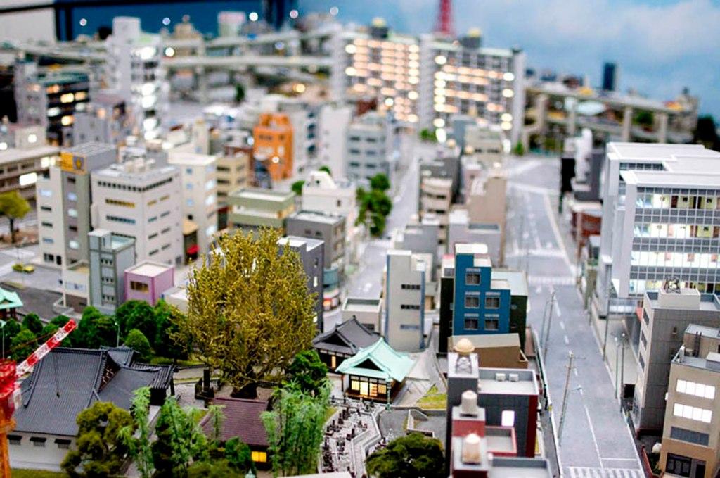 Small Worlds Tokyo Sailor Moon model