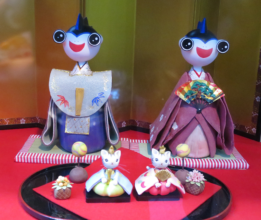 Girls' Day doll set with Katsuura town mascot as heads